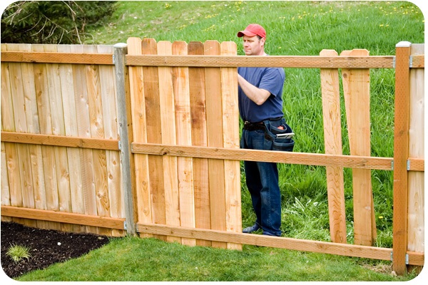 professional fence repair